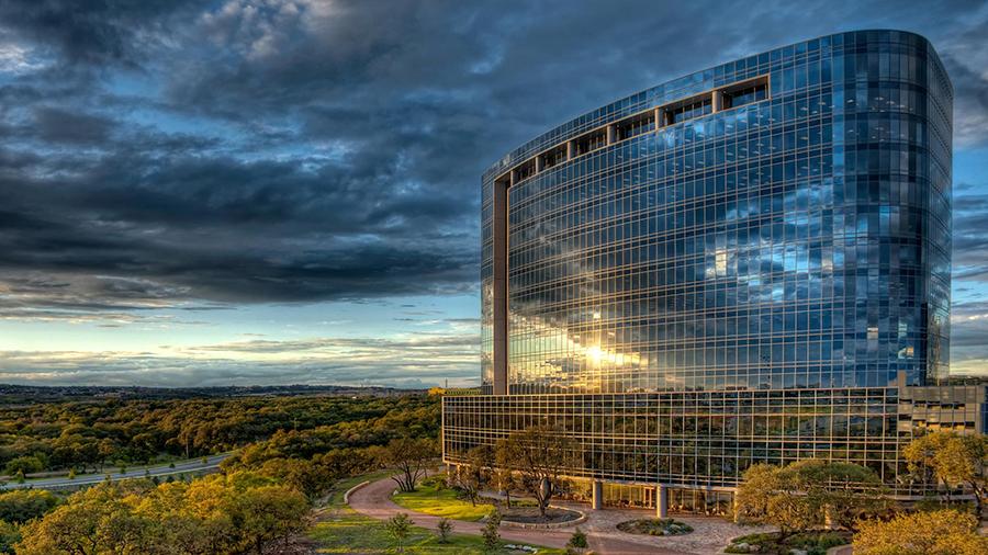 1320173-1920x1080-texas-usa-clouds-tesoro-oil-company-san-antonio-texas-sunset-city-1080x1920